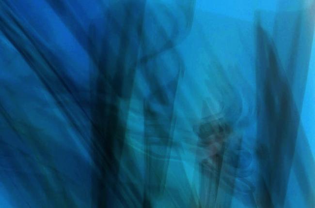 Light art Lara Goian blue