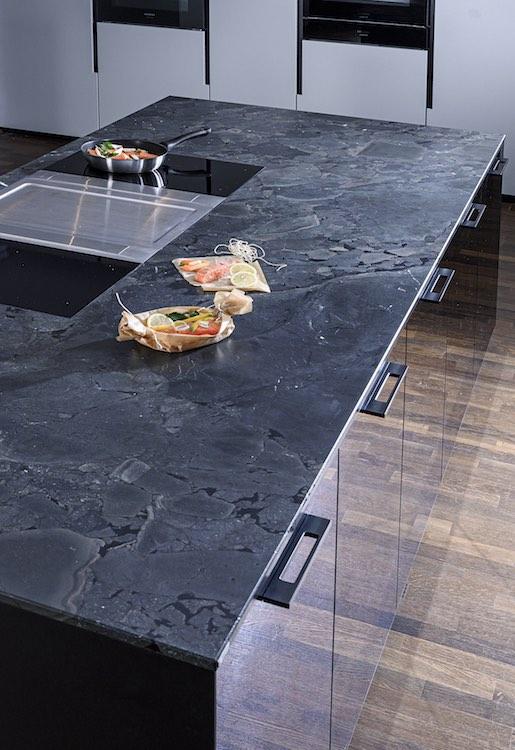 Strasser counter stone black